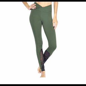 New Electric Yoga entrapped Legging
